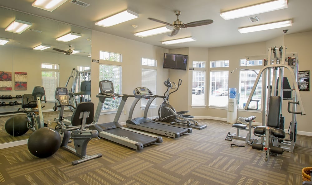 Fitness room for residents at apartments in Owasso