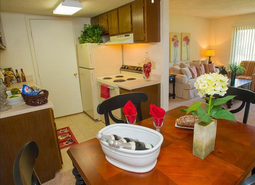 Tulsa apartments dining room