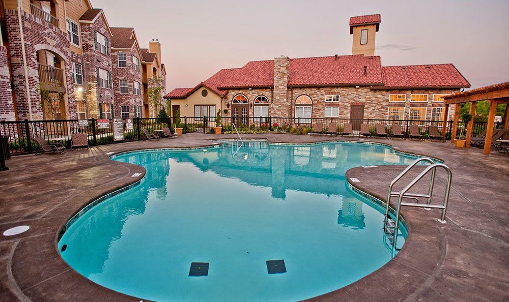 Broken Arrow apartments featuring a swimming pool