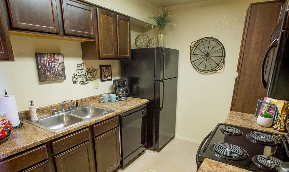 Bright kitchen area in Tulsa apartments for rent
