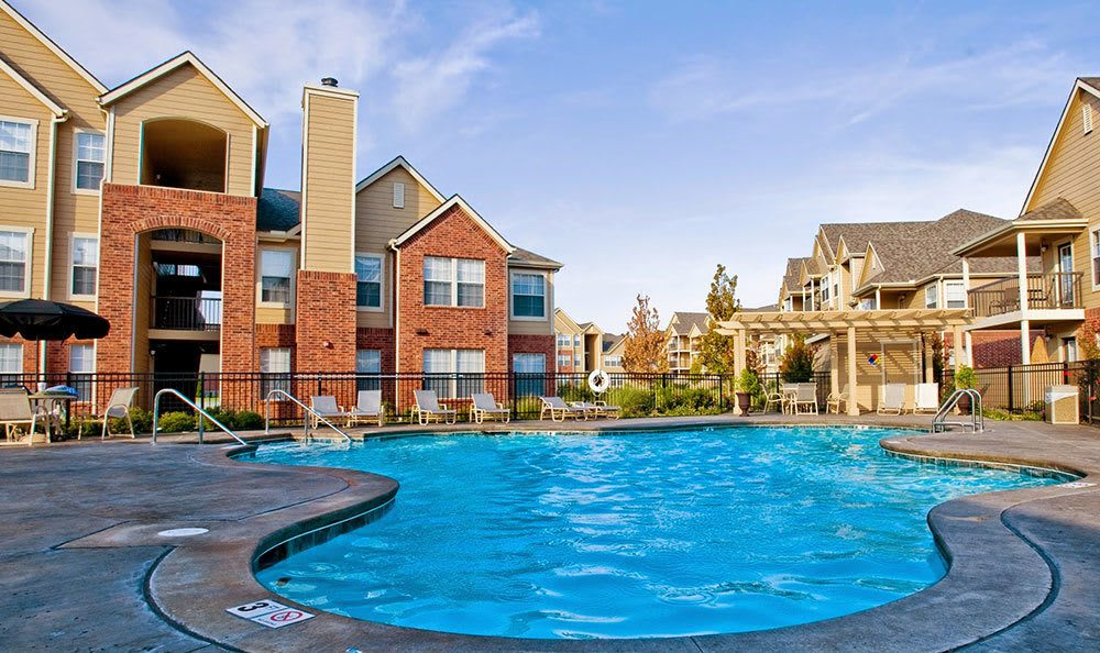 Sparkling swimming pool at apartments in Broken Arrow