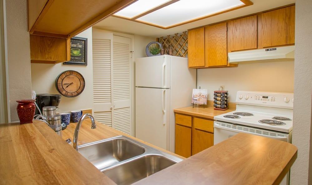 Emejing Waterford Apartments Tulsa Ok Pictures - harmonyfarms.us ...