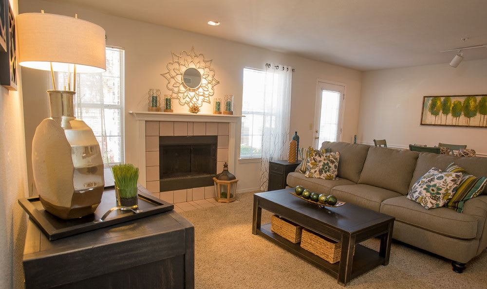 Comfortable living room at Crown Pointe