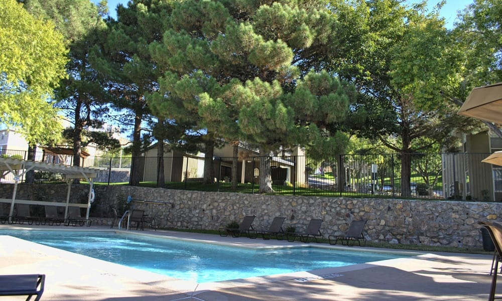 Pool at El Paso, apartments