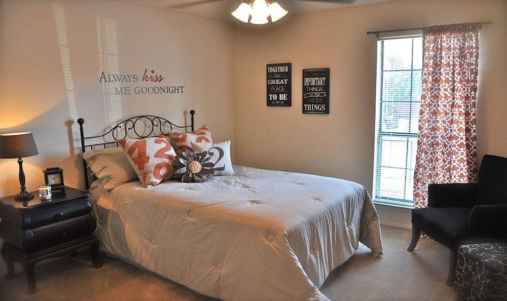 El Paso apartments bedroom