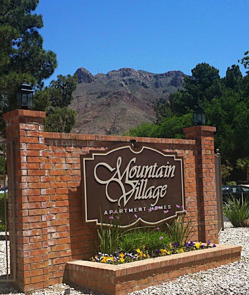 Sign for El Paso apartments
