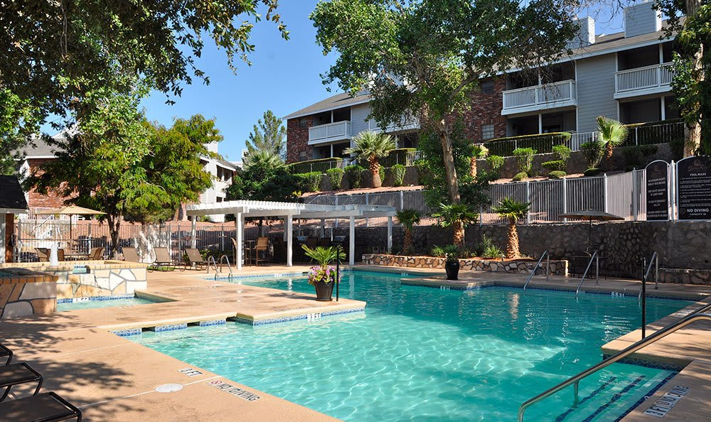 Pool at El Paso apartments