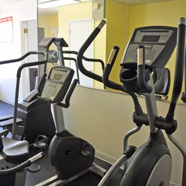 Fitness center at El Paso apartments