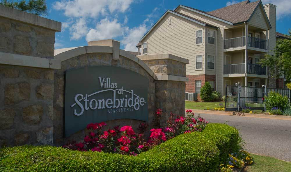 Signage at Villas at Stonebridge in Edmond