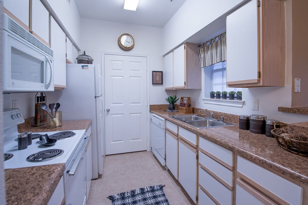 Kitchen at Arbors of Pleasant Valley