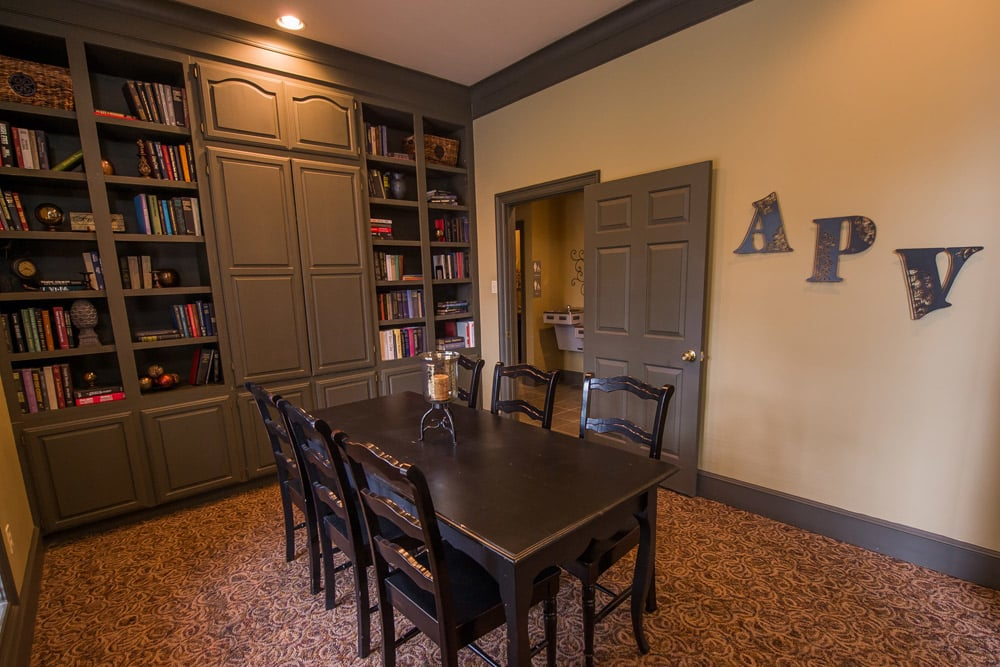Dining room at Arbors of Pleasant Valley