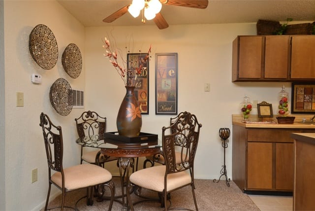 Dining area at Aspen Park Apartments in Wichita