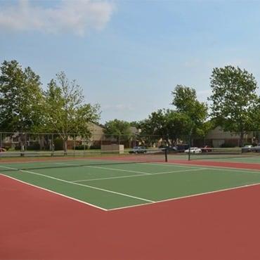 Aspen Park Apartments tennis courts