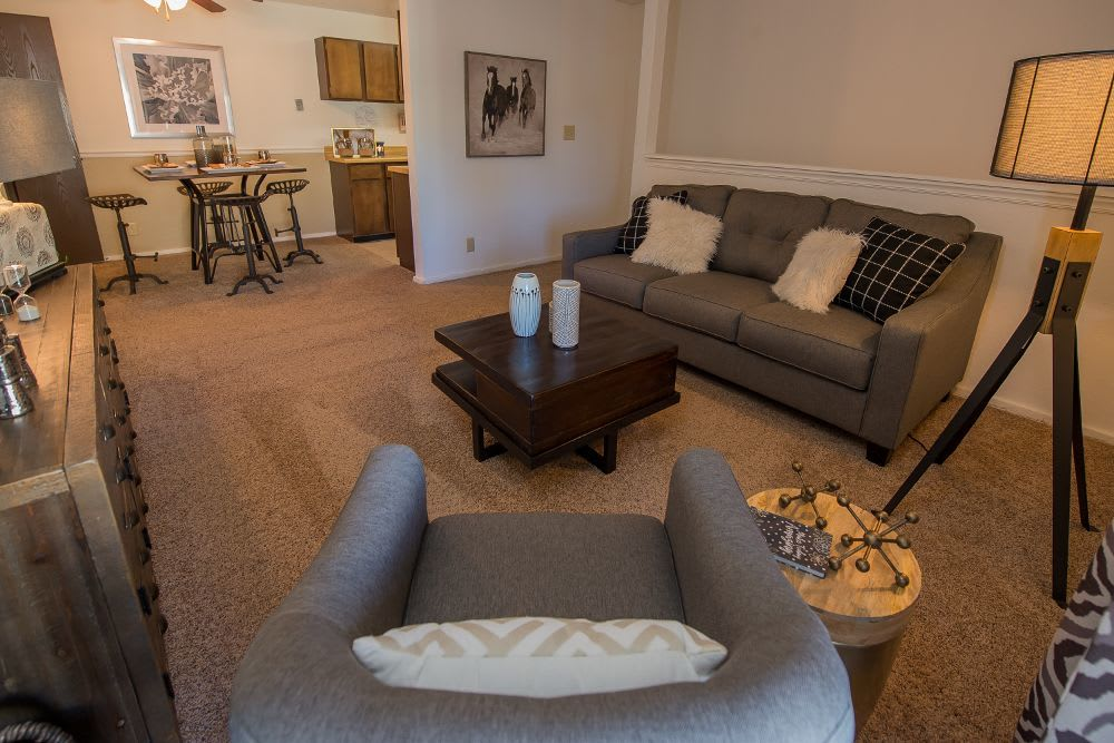 Living room at Fox Run Apartments