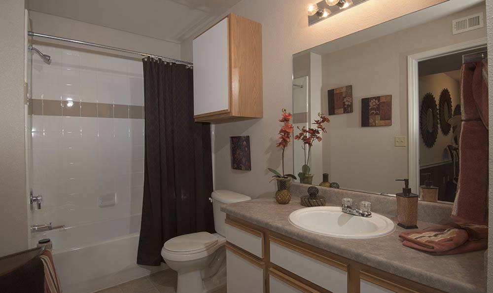 Wichita Kansas apartments bathroom