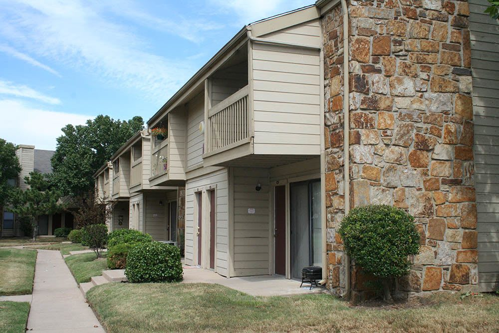 Exterior of Silver Springs Apartments in Wichita
