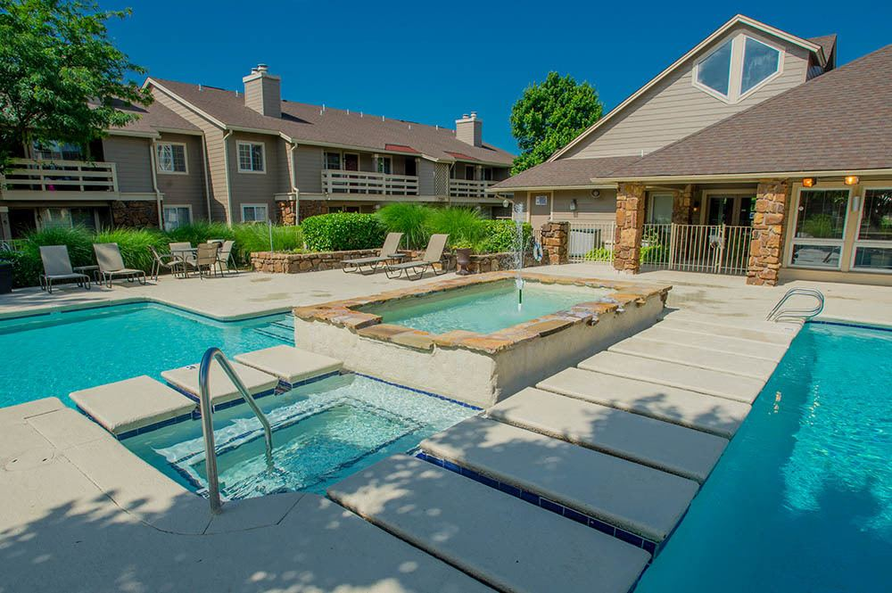 Enjoy our pool and hot tub at Chardonnay