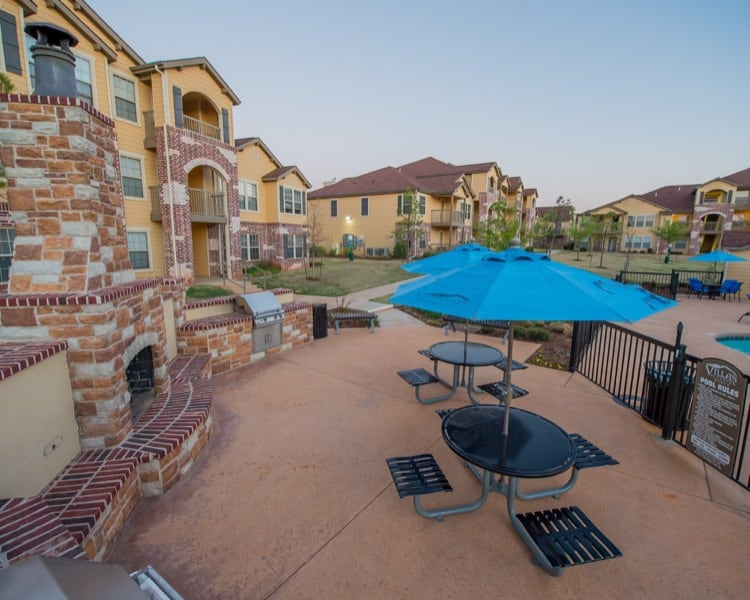 Apartments in Yukon features a barbecue area