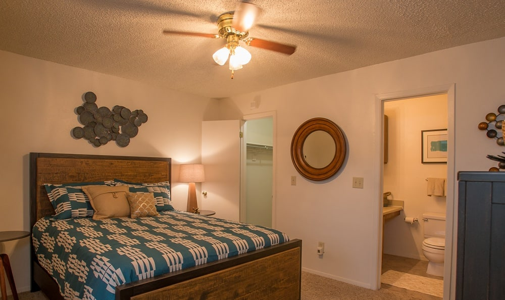 Cimarron Pointe Apartments bedroom