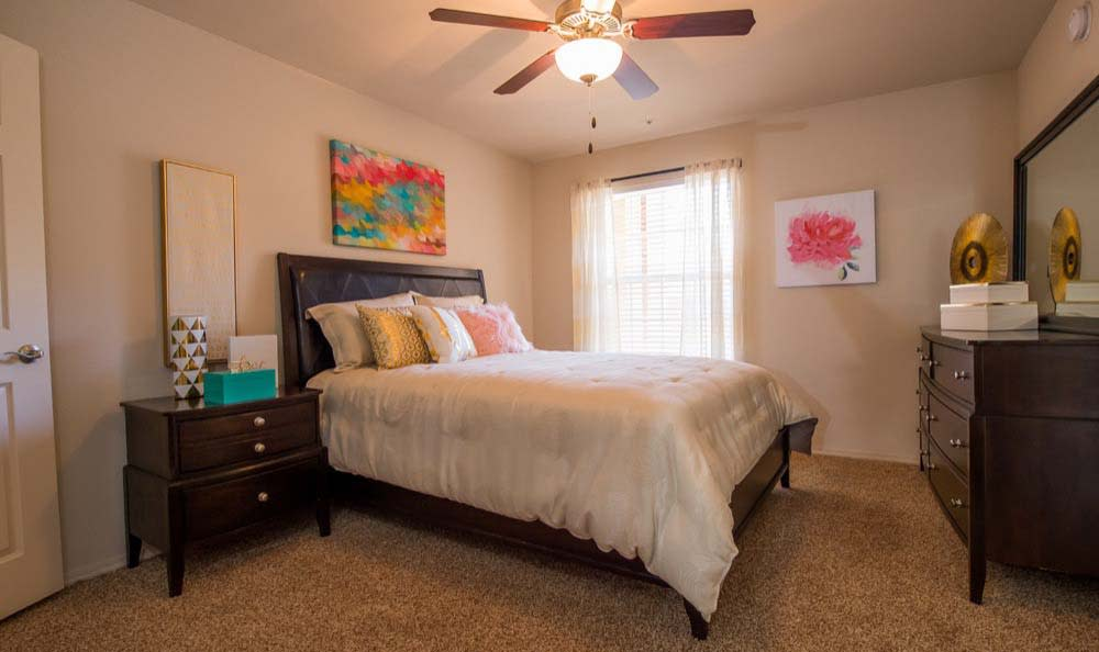 Large bedroom at Fountain Lake