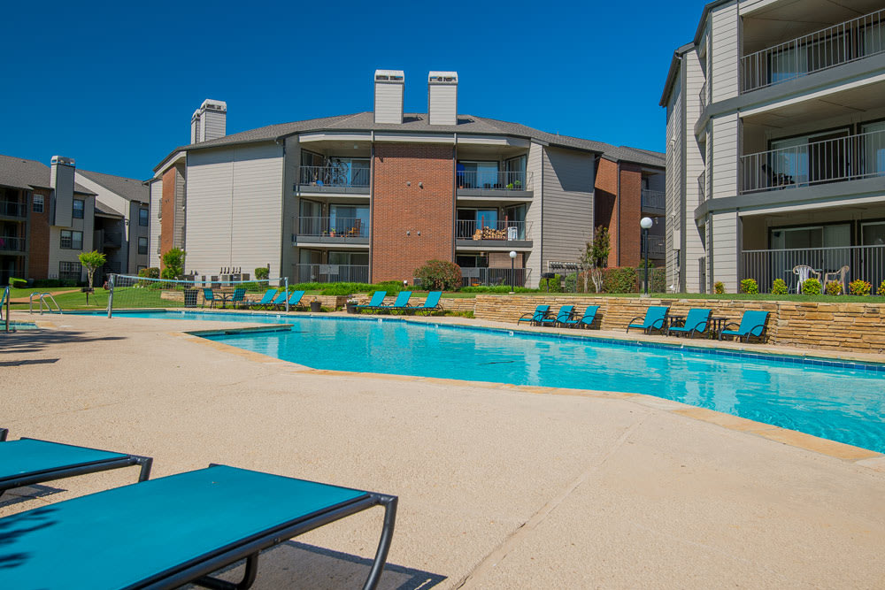 Pool-side apartments at Oklahoma City