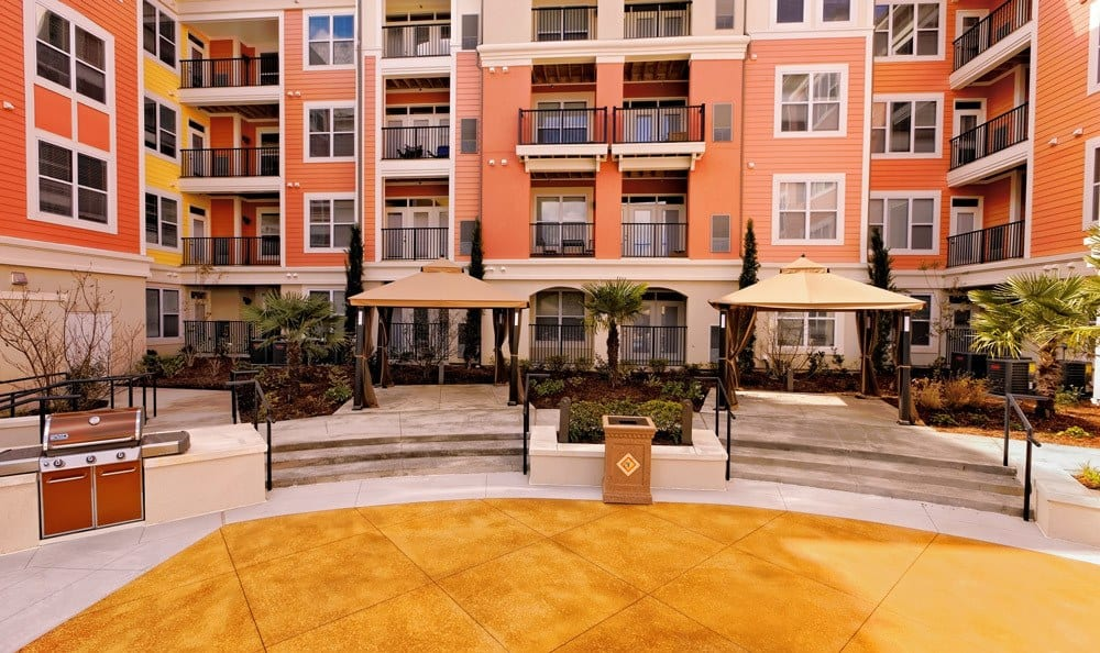 The Villagio patio lounge and grills