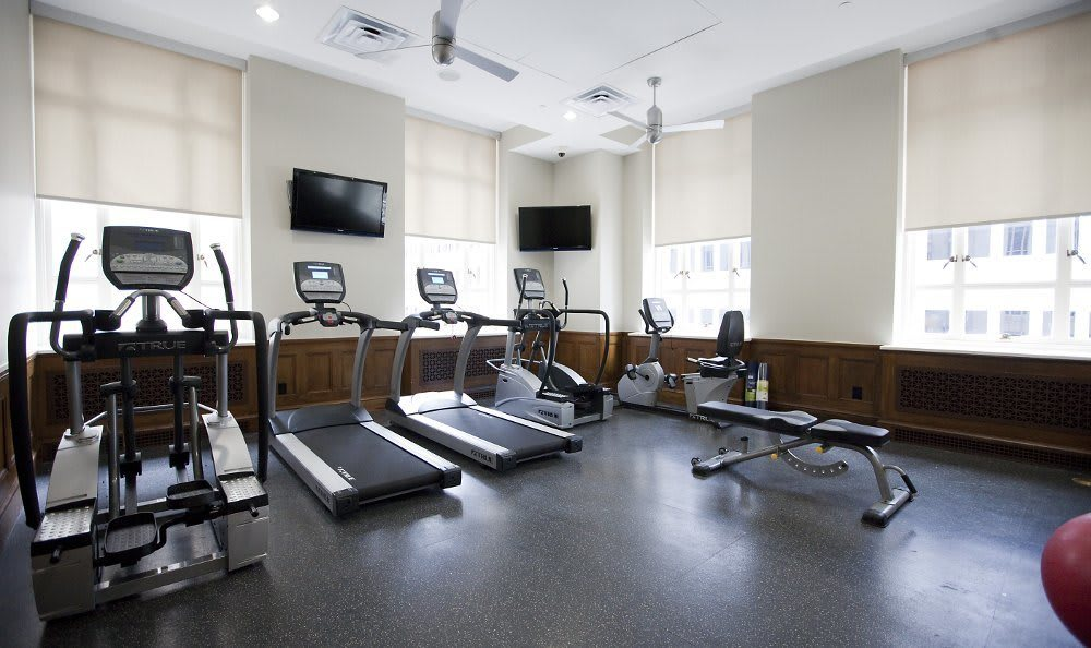 Fitness center at 400 North Ervay Apartment Homes