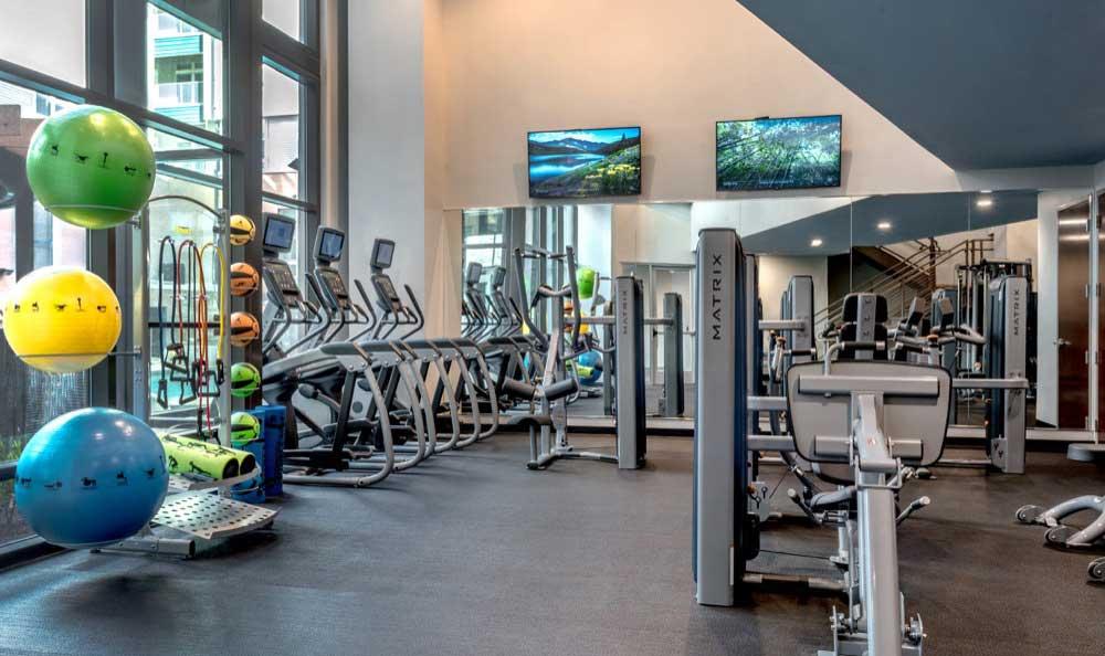 Luxury community amenities at Berkshire Chapel Hill