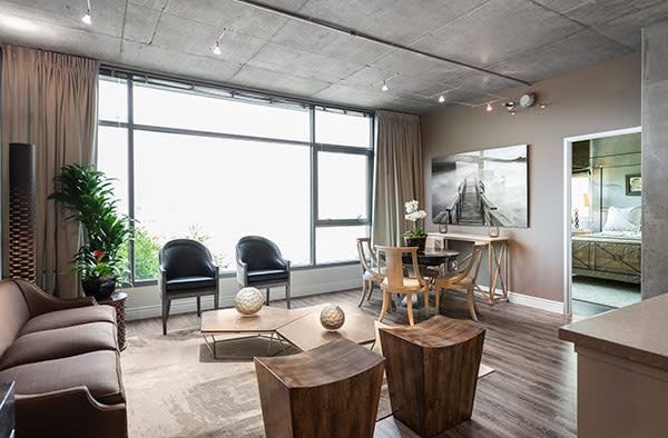 Apartment features at Met Lofts