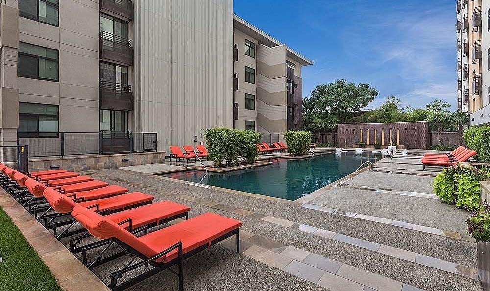 Our apartment community puts you in a convenient neighborhood in the heart of Austin