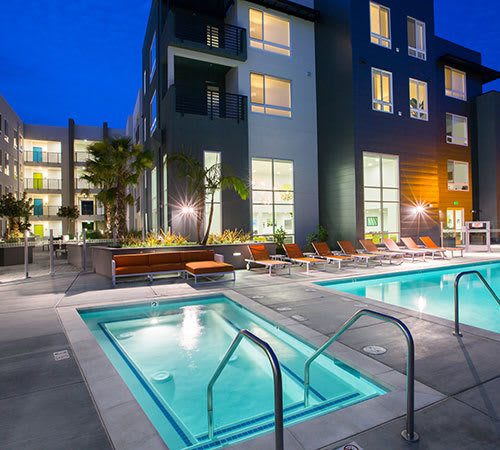 Our San Jose apartments feature a luxury pool and hot tub
