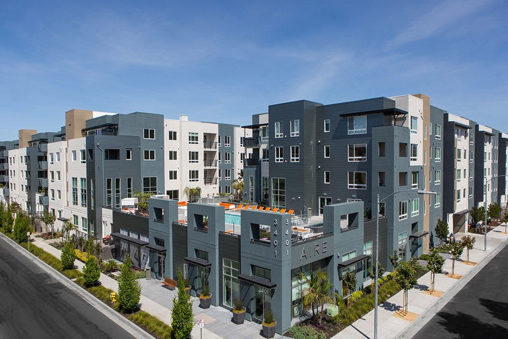 Aerial view of luxury apartment building in San Jose