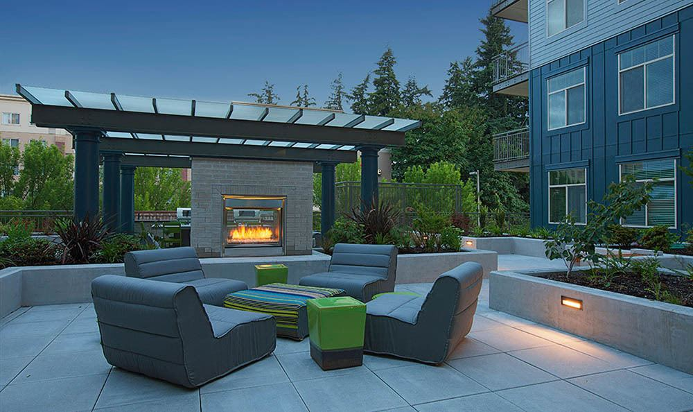 Outdoor lounge at Elan Redmond