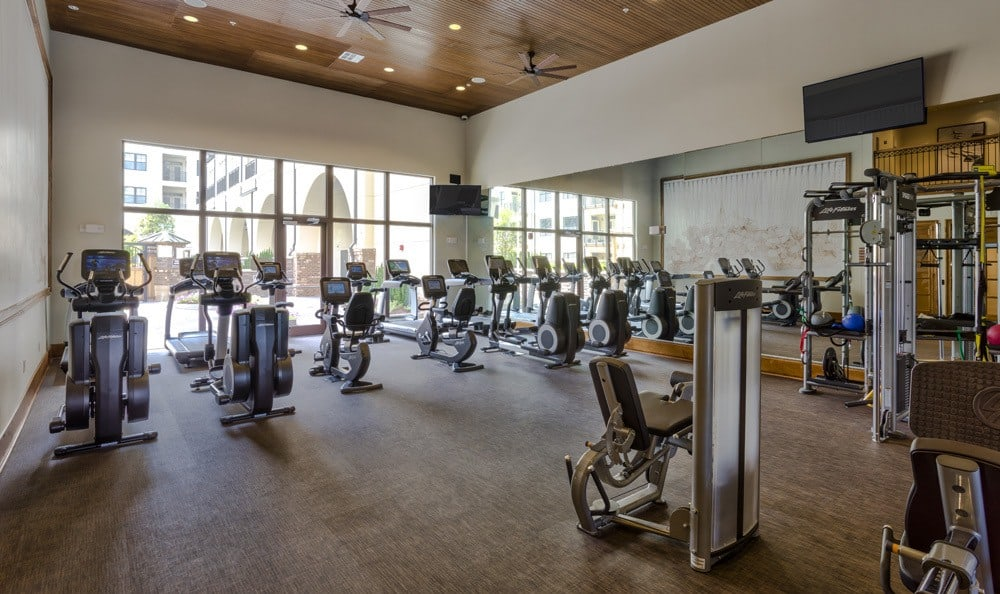 Fitness center at apartments in NC