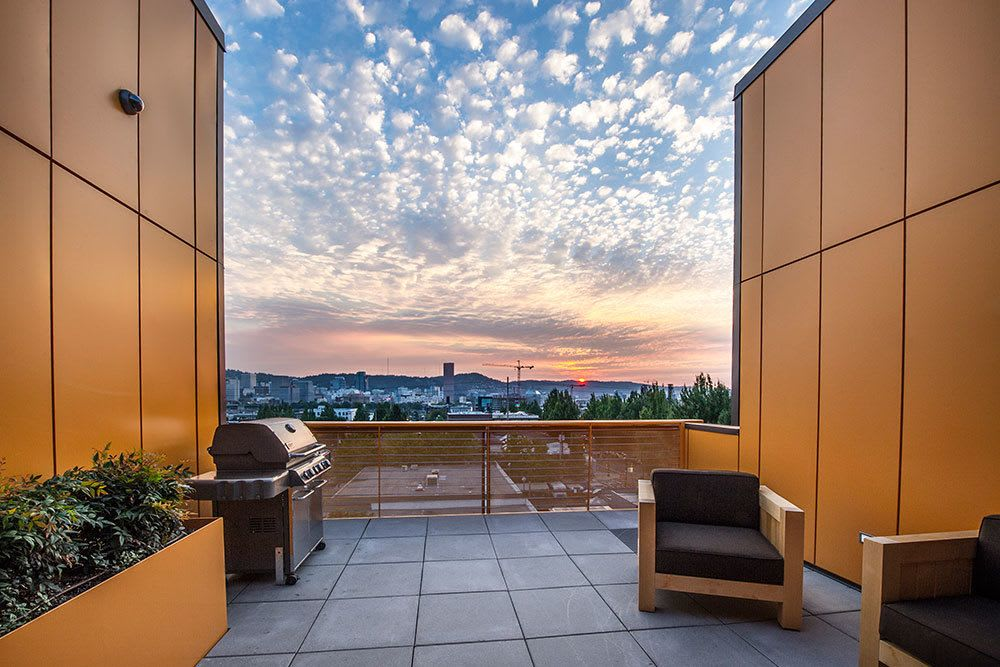 You can enjoy a barbecue on the roof with our community sky lounge