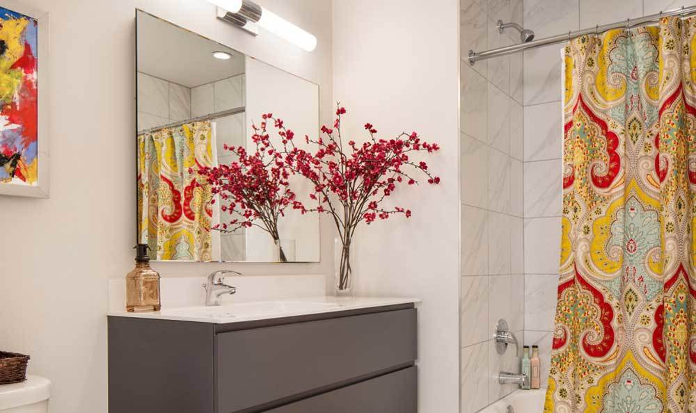 Modern Bathrooms At Our Luxury Chicago Apartments