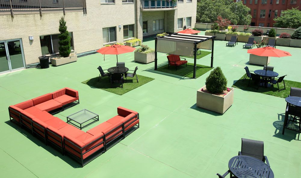 Rooftop amenities at our apartments in St Loius