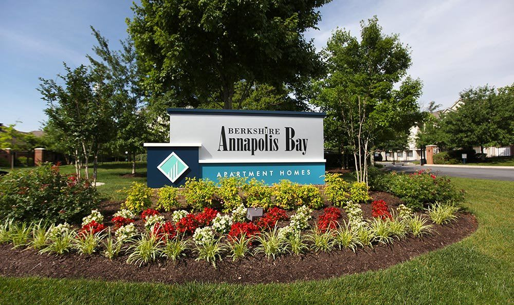 the entrance sign to our apartments in Annapolis