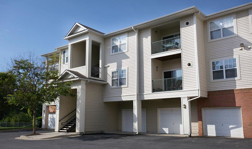 Exterior view of our Annapolis apartments