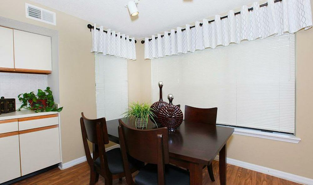 The dining room at our Orlando apartments