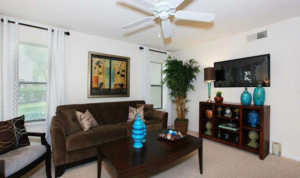 Orlando apartments with spacious living rooms