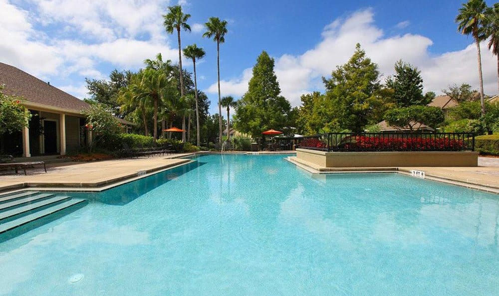 Orlando apartments offering a sparkling swimming pool