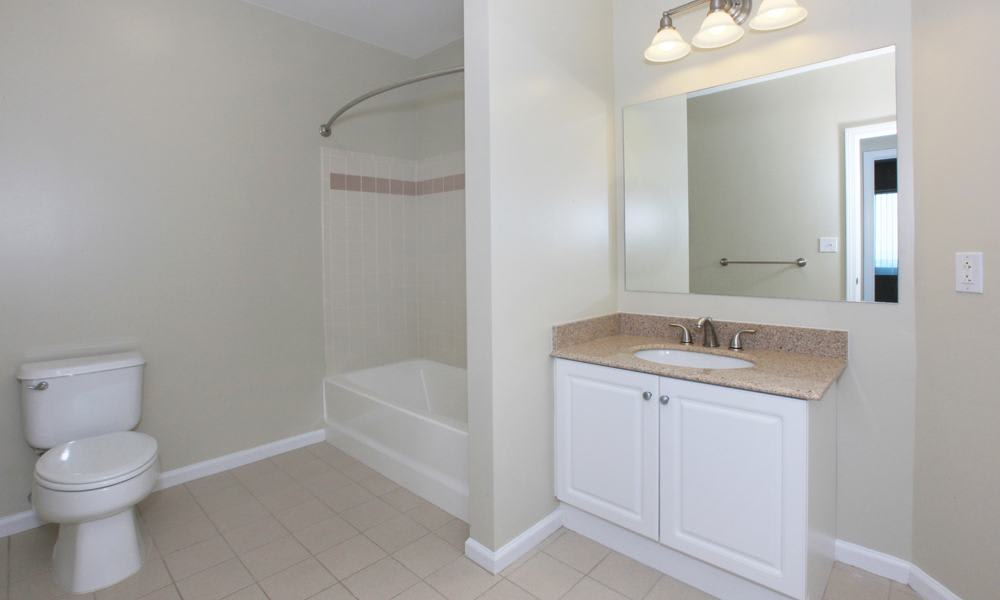 Spacious bathroom at Quincy Apartments