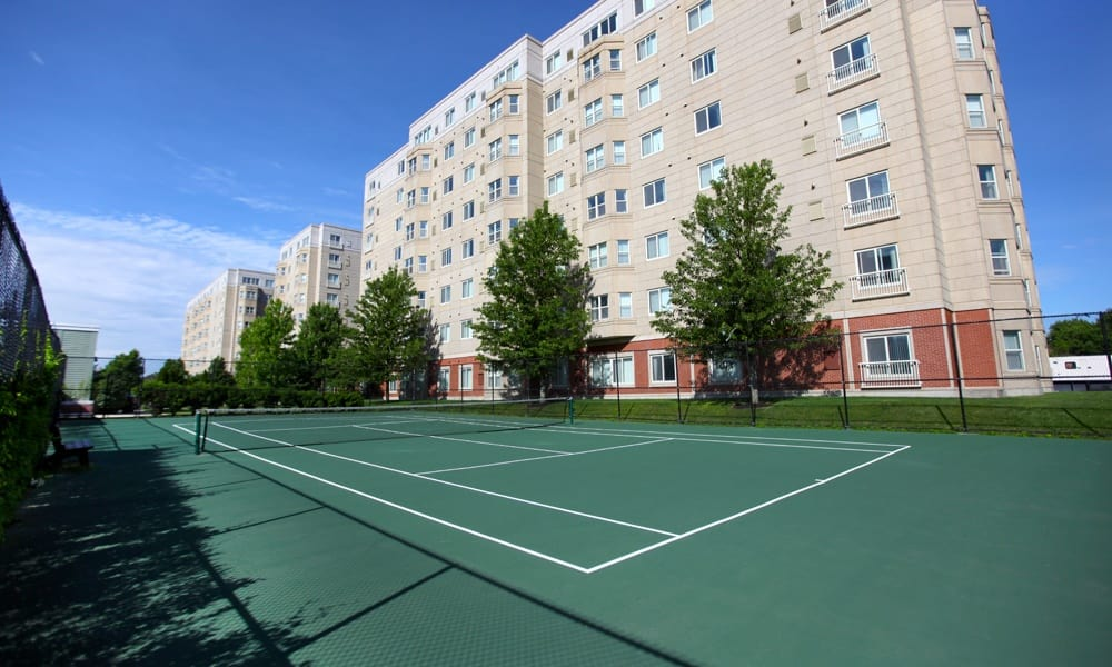 Tennis court at Quincy Apartments