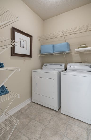 Laundry room at Franklin apartments