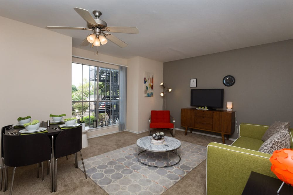 Living area at Bayou Park