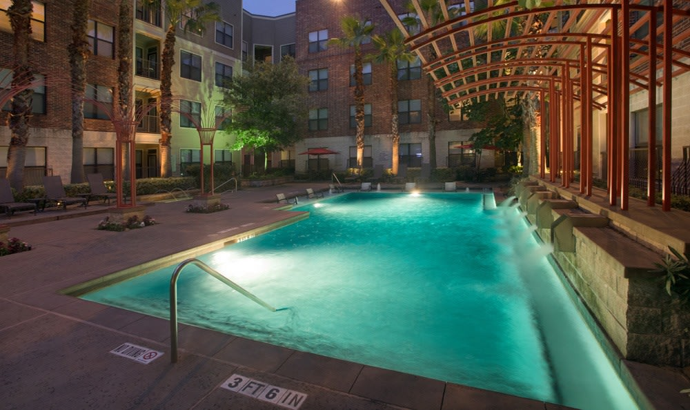 Houston apartments pool