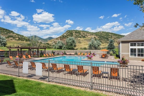 Apartments in Littleton Features a Sparkling Outdoor Pool