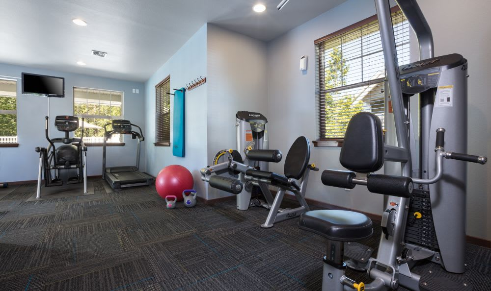 Enjoy a fitness center at Echo Ridge spacious apartments
