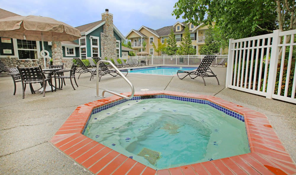 Snoqualmie apartments offering a hot tub